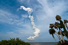 Endeavour liftoff #4 (Nikkko) Tags: trip usa florida space nasa shuttle kennedyspacecenter capecanaveral endeavour sts127
