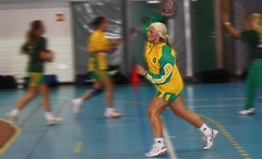 Warming up (Angelika Jane) Tags: blur game green yellow warmup handball kisa ull balonmano hndball