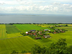 View from Brahe Hus (Per Ola Wiberg ~ Powi) Tags: friends beautiful sweden explore harmony sverige juli 2009 breathtaking semester naturegroup beautifulearth brahehus otw goldheart hiddentreasure beautifulbeautifulbeautiful mywinners heartawards theunforgettablepictures diamondstars photostosmileabout exemplaryshotsflickrsbest artistspotlight goldsealofquality betterthangood theperfectphotographer naturesbest goldstaraward flickrestrellas homersiliad peaceawards travelpilgrims natureselegantshots explorewinnersoftheworld qualifiedmembersonly beautifulshot afeastformyeyes damniwishidtakenthat thebestofnature naturestreasures photographerparadise saariysqualitypictures atmphotography phoddstica addictedtonature universeofnature naturesprime sapphireawards passionoftheheart bestofbeautiful beautifulkunstkamera shootingstarsawards thenaturalworldofnature ourworldinphotos flickrsgottalent fireworksofphotos aboutthenaturewithlove chariotsofartists thewonderfulnatureword landscapessunsetswaterscapes