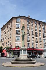 Place de la Colonne (Ville de La Garenne-Colombes) Tags: france la ville patrimoine garenne colombes commerces lagarennecolombes garennecolombes cadredevie hautsdeseineiledefrance