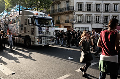 Techno Parade 2009  Paris (Thibault Dangraux) Tags: party music paris dance danse parade techno musique technoparade technoparade2009