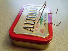 Paper Clip + Altoids Tin iPod Touch / iPhone Stand (@englishinvader) Tags: paper powerbook tin diy stand mac ipod crafts touch clip accessories altoids paperclip iphone
