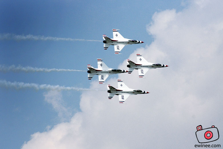 USAF-F16-Thunderbirds-Subang-Air-Show-1