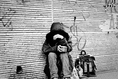 Homeless (Cosmopolita.) Tags: santiago white black blanco y homeless negro sinhogar