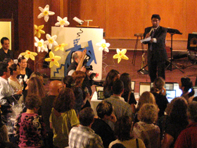 CBC newscaster Ian Hanomansing hosted the live auction at the fundraiser.