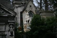 2009-11-21-PARIS-PereLachaiseCemeterie52