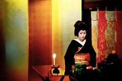 sidelong glance (moaan) Tags: digital 50mm kyoto candle geiko geisha utata  kitano teaceremony candlelight tradition 2009 odori f095    canonf095 rd1s kaburenjo kitanoodori   japanesetradition epsonrd1s canon50mmf095  otemae ichimame    kamishichikenkaburenjo ochaseki giltfoldingscreen gettyimagesjapanq1 gettyimagesjapanq2