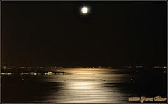 Dün gece mehtaba dalıp hep seni andım... (Yavuz Alper) Tags: longexposure night nikon istanbul fullmoon moonlight marmara gece bogaz d90 mehtap yakamoz dolunay kinaliada fenerbahcedenizfeneri mehtabacikanlar