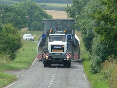 HEAVY HAULAGE & ABNORMAL LOAD ESCORTING (mallyhayne) Tags: man last volvo heavy scania oversize daf bred haulage convoi capelle schwertransport cadzow bohnet