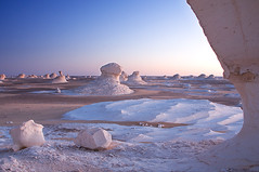 White Desert (ania.egypt) Tags: travel sunset sky holiday sahara rock twilight desert dusk egypt lanscape egipt whitedesert skay zachdsoca krajobraz podr skaa pustynia biaapustynia
