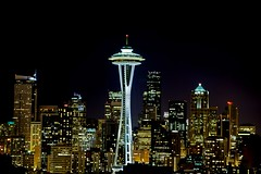 space needle (Vinnyimages) Tags: seattle city skyline night canon spaceneedle kerrypark canon5d washingtonstate canon70200l vinnyimages wwwvinnyimagescom vinnyimagescom