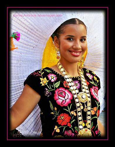 Traje Regional Del Istmo De Tehuantepec  Oaxaca