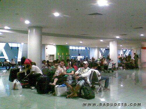 stranded passengers at NAIA Terminal 3
