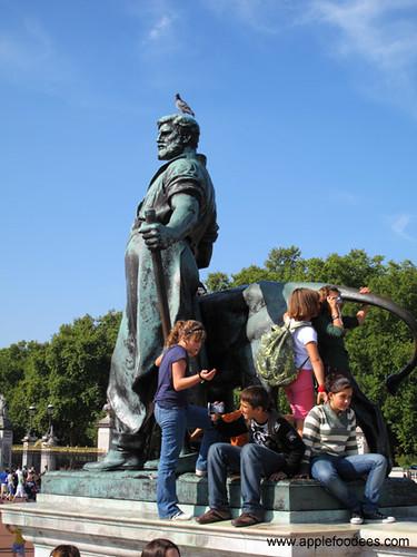 Man = Lion + kids