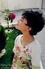 Como se eu fosse flor! (|Red|) Tags: flor rosa grama criança doo scooby cheirando