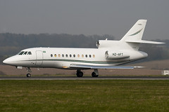 HZ-AFT - 21 - Saudi Arabian Airlines - Dassault Falcon 900B - Luton - 090403 - Steven Gray - IMG_2996