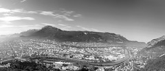 Grenoble (EMEM Manuel Martinez) Tags: city sky bw white montagne grenoble noir sony nb ciel blac paysage blanc 2009 ville alpha200