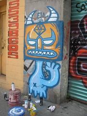 IMG_4192 (frankmysterio 2 APC) Tags: sticker kaiju customs pinta grafitty frankmysterio
