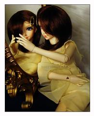 Yellow Reflection (sweetmeika) Tags: yellow gold dress bjd dz shoyo dollzone shoyo2