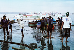 001 (stereoden) Tags: street leica bali indonesia fisherman asia locals market 11 noctilux market} {fish