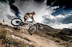 Matt Hill (andyparant.com) Tags: mountain mountains alps bike sport digital speed turn montagne alpes nice jump nikon freestyle action descent down downhill tokina dh mtb tignes savoie rider 11mm moutain savoy velo vtt vlo 116 saut dtc bikepark riders montagnes retouche acro d300 descente traitement 1116 sportifs posttraitement 1116mm accrobate vttt