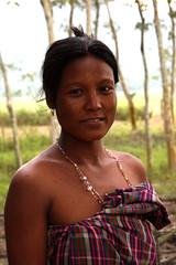 Woman in The village of Barbill Mishingoan (sensaos) Tags: portrait people woman india smile face asia retrato north portrt east portret assam ritratto portre azi kaziranga