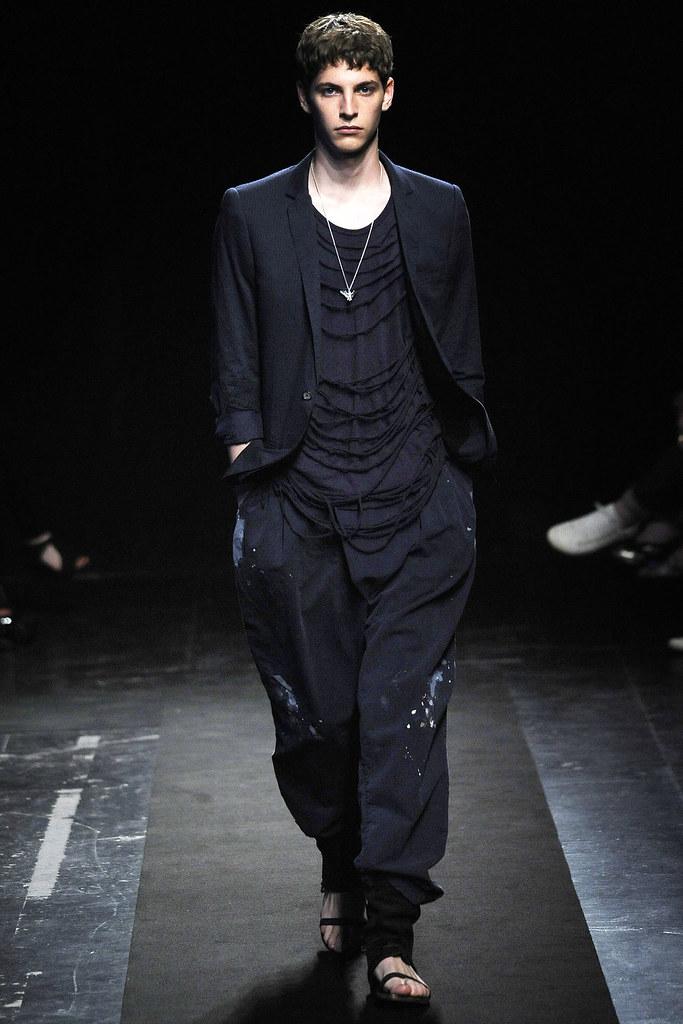 Maxime Bergougnoux3039_SS10_Paris_Miharayasuhiro(VOGUEcom)