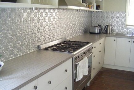 Press metal splash back