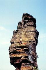 19810900 Pfalz Asselstein Klettern (j.ardin) Tags: rock vintage germany deutschland sandstone climbing sandstein pfalz klettern felsen freeclimbing südpfalz wasgau palatinate asselstein