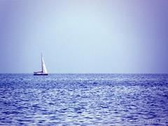 No line on the horizon (beatlesvsjazz) Tags: ocean blue sea espaa mer beach azul mar seaside spain playa bleu alicante blau espagne plage benidorm espanya comunidadvalenciana beatlesvsjazz agosto2009