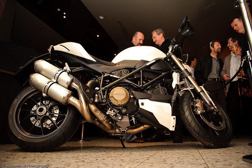 Ducati StreetFighter-10 (by autumn_leaf)