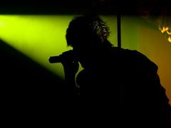 Daniel Masciarelli (:: cristal cosmico ::) Tags: light music male silhouette voice singer silueta cantante