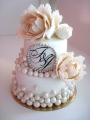 opeony wedding cake! (oholysweet!) Tags: wedding white cake silver peach peony pearls peonies topcake