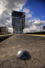The Other Side (Esther Seijmonsbergen) Tags: holland reflection building amsterdam architecture modern photography office exposure alien thenetherlands bank spaceship theshoe hdr schoen zuidas transparant headoffice innovative kruimeldief inghouse klapschaats digitl 5xp estherseijmonsbergen wwwdigitalexposurephotographycom