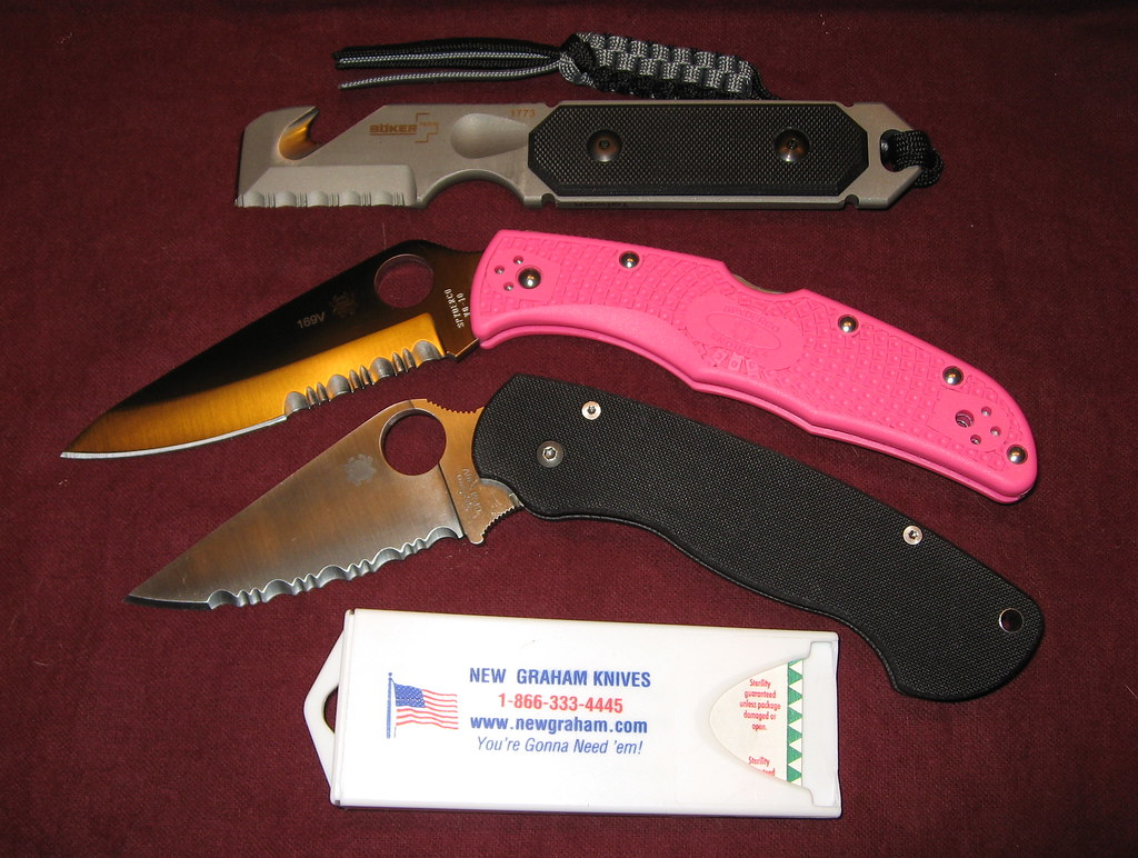 Anyone Else Packing Pink This Month? - Spyderco Forums