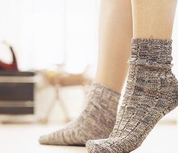 穿着袜子睡觉更健康