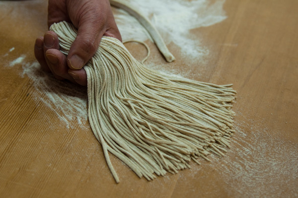 Tokyo: Soba noodle making class