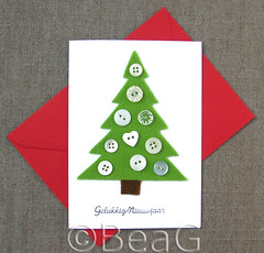 Happy New Year Card (Made by BeaG) Tags: original red green design groen belgium handmade buttons unique creative belgi felt christmastree homemade card christmasdecoration rood kaart happynewyear christmascard kerstboom redenvelope newyearcard kerstkaart origineel knopen vilt handmadecard kaartje zelfgemaakt beag gelukkignieuwjaar carddesign nieuwjaarskaart knoopjes greenfelt handgemaakt uniquedesign christmascraft handmadechristmascard creativechristmas feltchristmastree designedandmadebybeag uniekontwerp ontworpenengemaaktdoorbeag craftingwithbuttons knutselenmetknopen craftingwithfelt craftingfortheholidays creativeholidays uniquechristmascarddesign