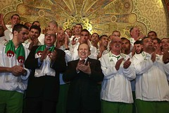Bouteflika Et L'quipe Nationale Algrienne (menosultra) Tags: world africa usa cup 1 algeria us football team soccer south sudan egypt national  algrie  2010 algerian  algiers   lquipe        algrienne    reldbmgf2e5bj1rk101