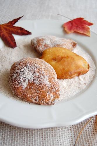 Pear fritters / Bolinhos de chuva com pêra