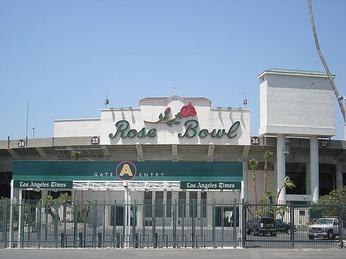 800px-Rose_Bowl_August_2007.JPG