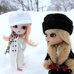 Black and White (RequiemArt.com) Tags: winter snow squall eyes acrylic ooak coat customized bjd pullip requiem custom pullips customs zsazsa zsa leprotto dgrequiem requiemart
