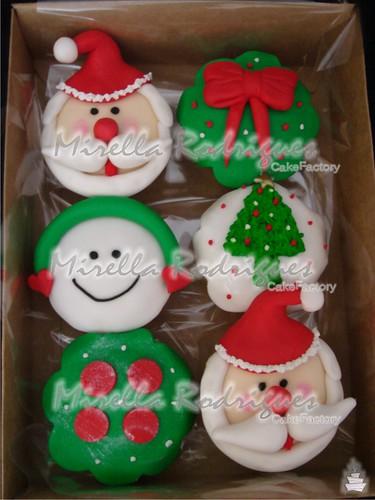 Caixa com cupcakes decorados / Christmas cupcakes