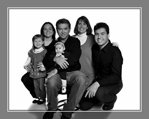 Castellanos Family-3 B&W [800x600]