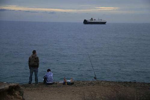 Pescando en la playa