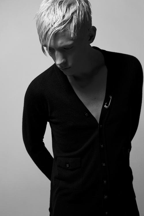 Adam 0017_QL AW11(Fashion Press)