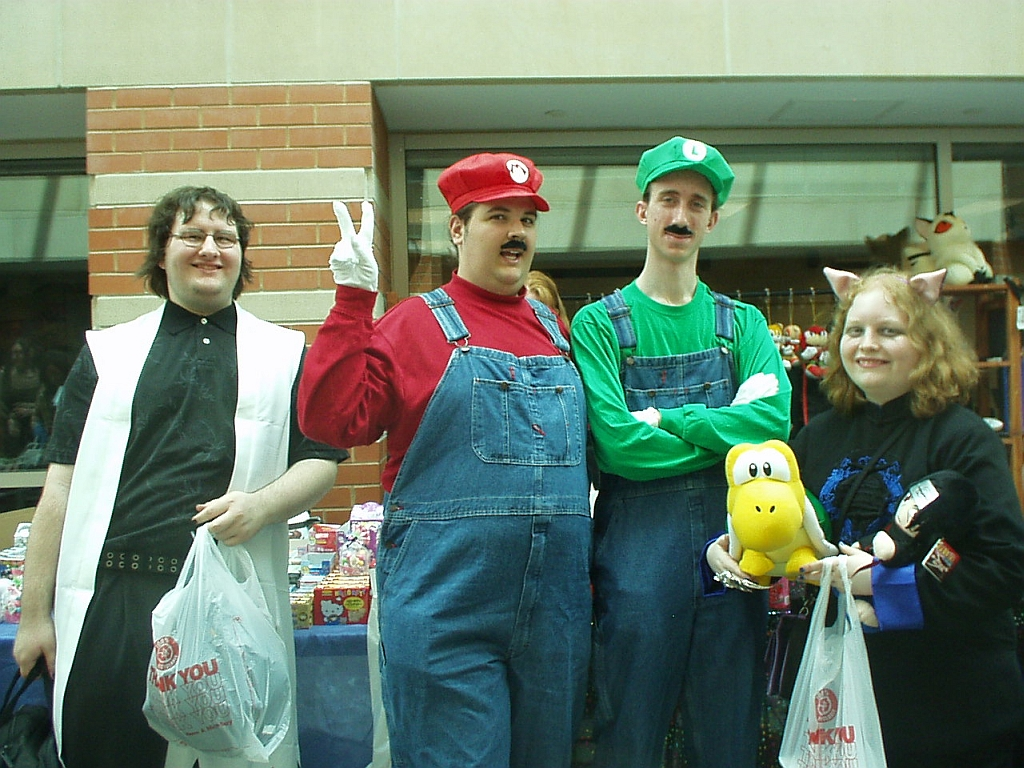 Bubbie and Stephy meet MARIO AND LUIGI!!!