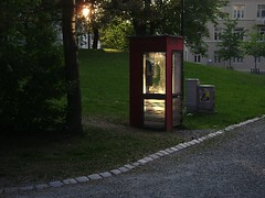 (Lise Utne) Tags: summer phonebooth trondheim telefonkiosk darknessandlight inthecity lamoparken july2009