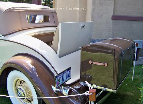1932 Cadillac trunk