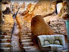 iran- maggio 09 (anton.it) Tags: trip scale strada iran digitale persia rocce viaggio salita poltrona kandovan canong10 flickraward flickrunitedaward antonit flickrtravelaward